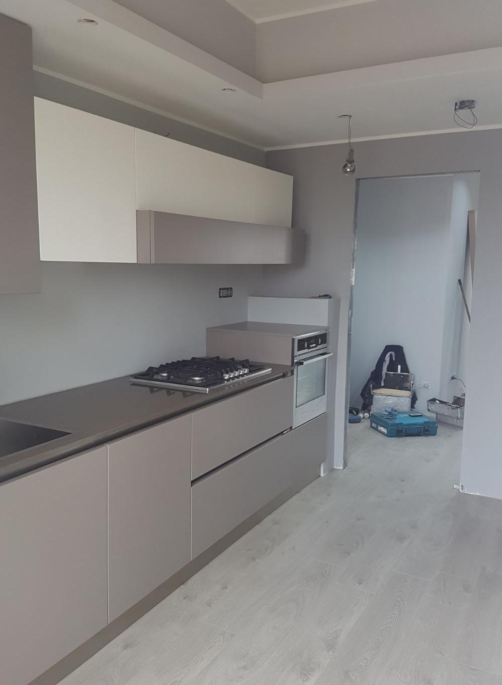 Modern design real time casa for Design semplice del garage
