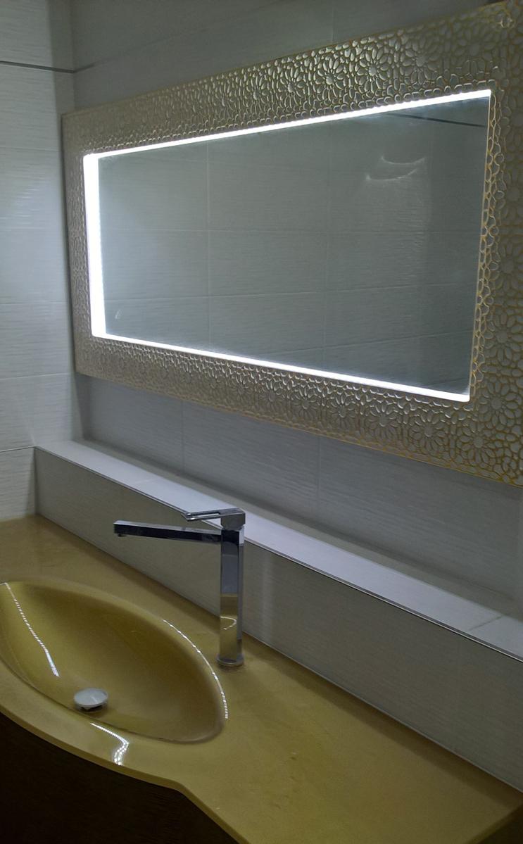 Bianco e oro e il bagno diventa elegante real time casa - Rubinetteria bagno bianco oro ...